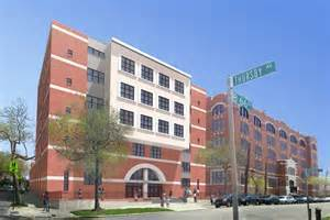 P233@042 Building front